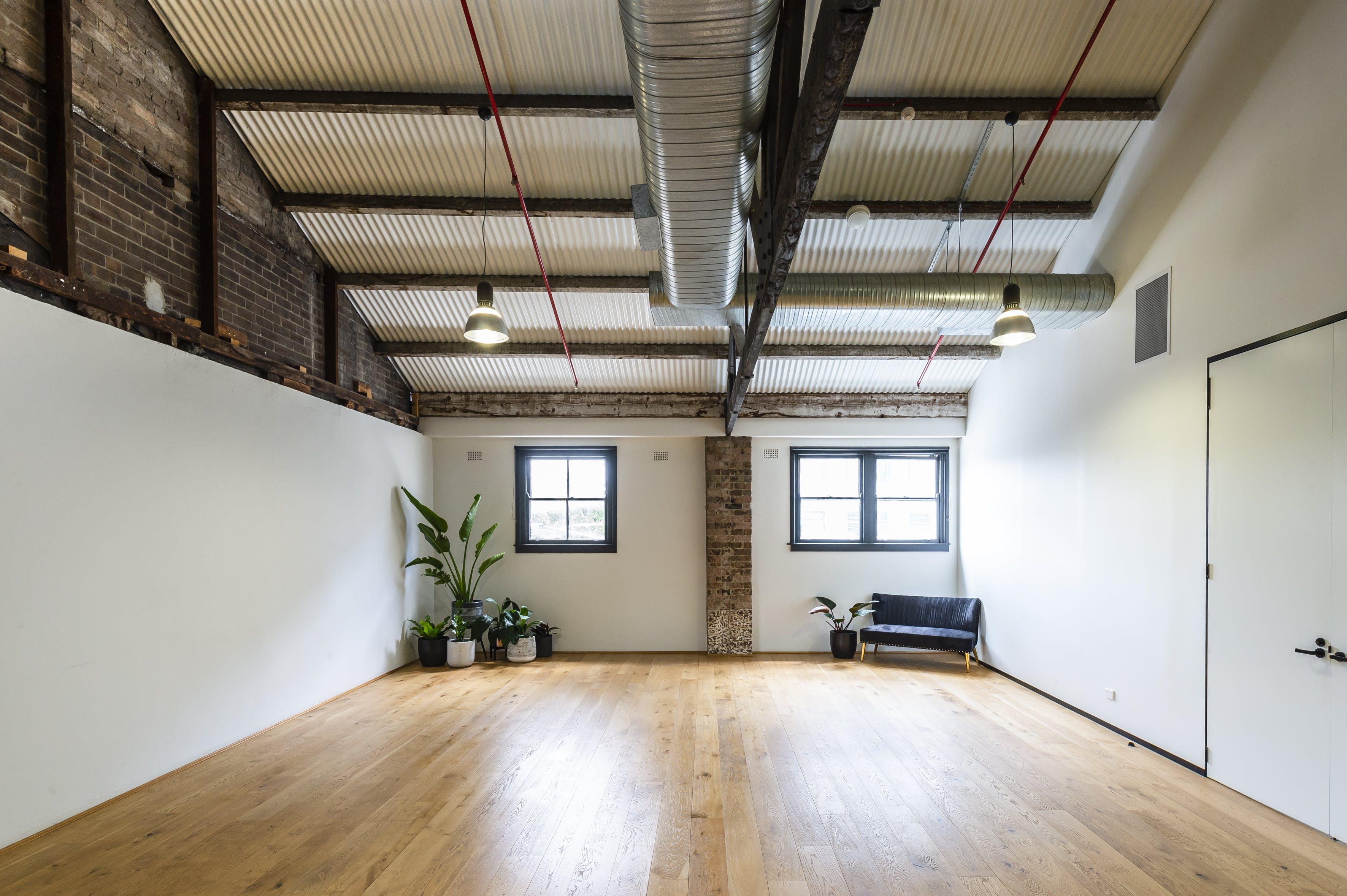 Photography Studio, creative studio at Cohouse Studios, image 1