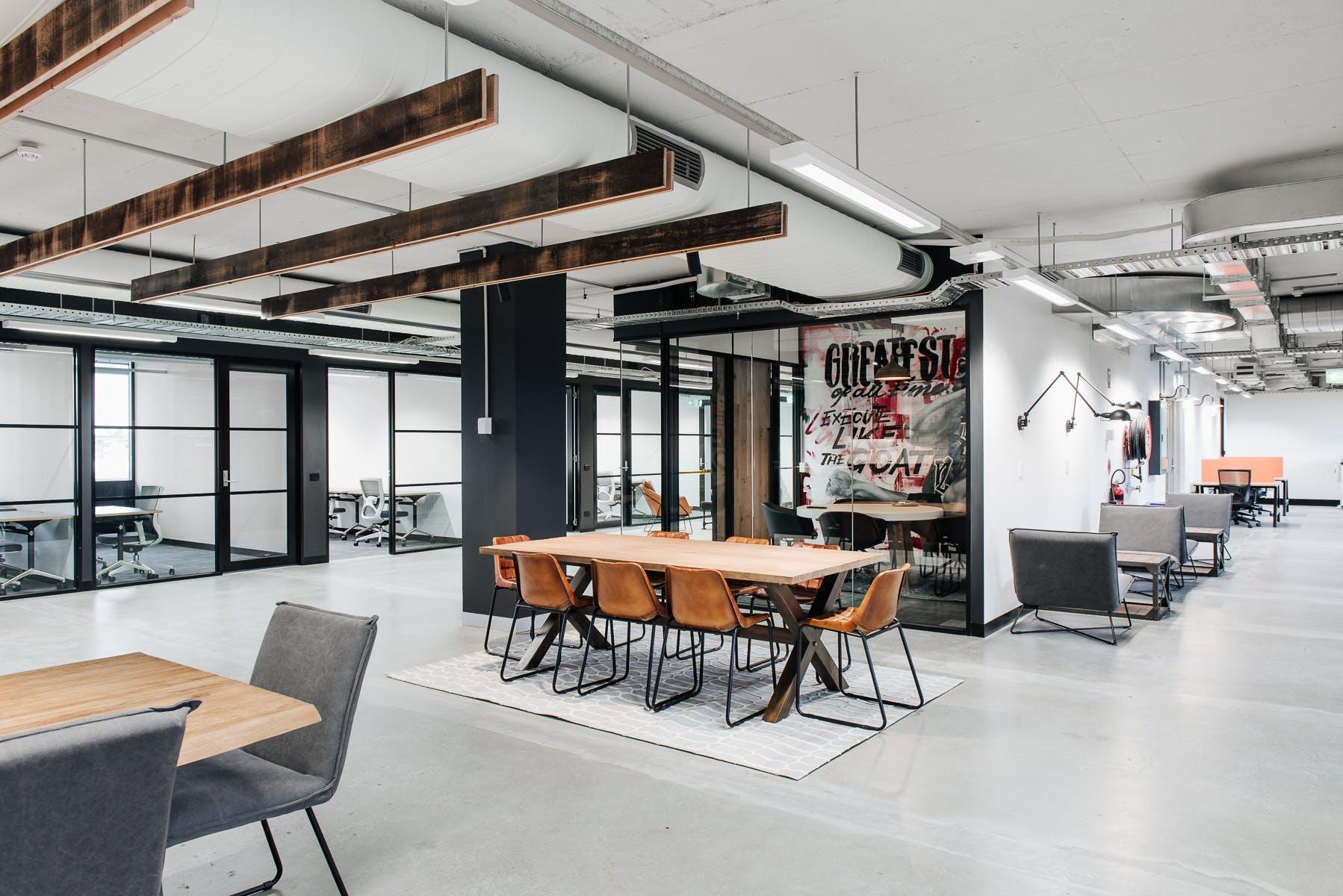 Hot desk at Building X, Richmond, image 4