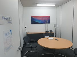 Room 3, training room at Rooms@ASR, image 1