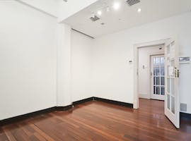Level 10, private office at 250 Pitt Street, image 1
