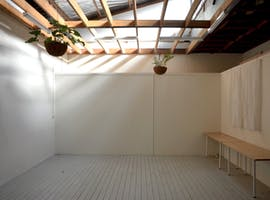 A natural light-filled photography space available for day hire, image 1