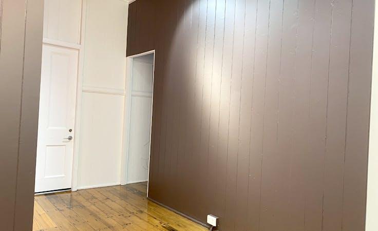 Latrobe Rental Art Gallery (Latrobe Art Space), shopfront at Latrobe Terrace, Paddington, image 5