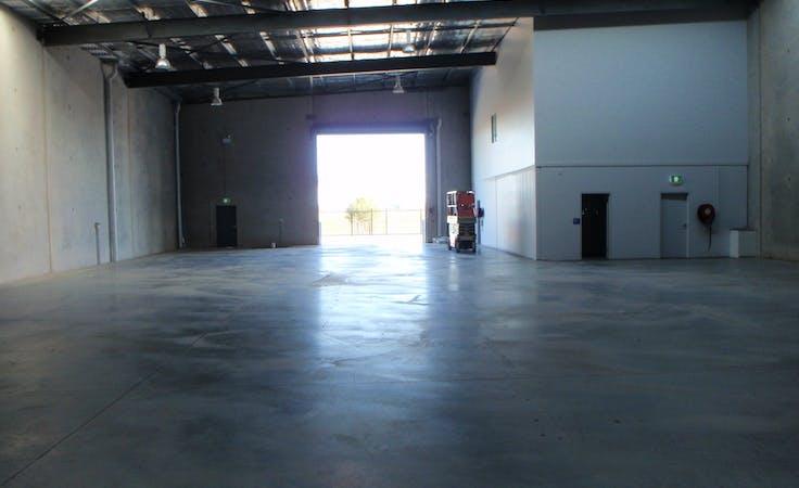 Warehouse, workshop at Lasso Road, image 1