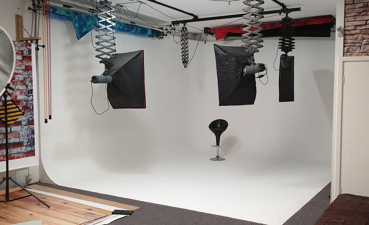 Large cyclorama space, creative studio at Studioworks Building, image 1
