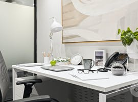 Day office, serviced office at The Peninsula On The Bay, image 1