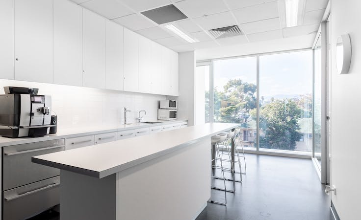 Private office space for 4 persons in HQ Victoria Park, serviced office at Victoria Park, image 6