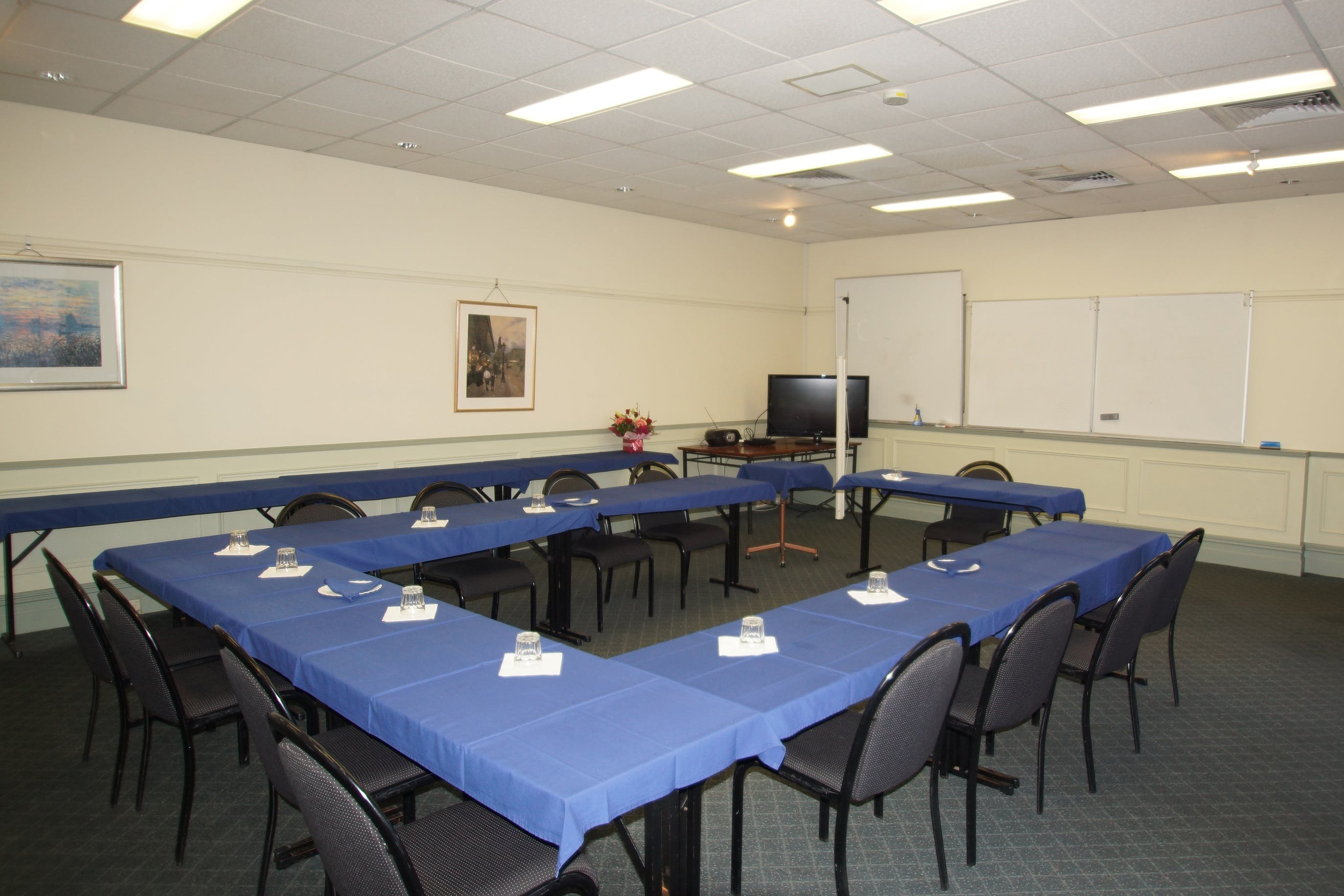 Campbell Room, function room at Best Western Twin Towers Inn, image 1