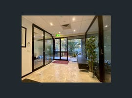 Courtyard , private office at 620 St Kilda Road, image 1