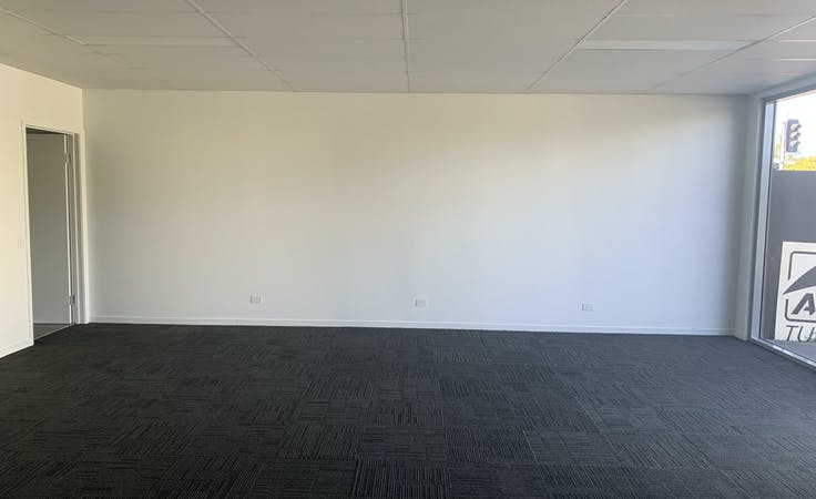 Private office at Retail space, image 7