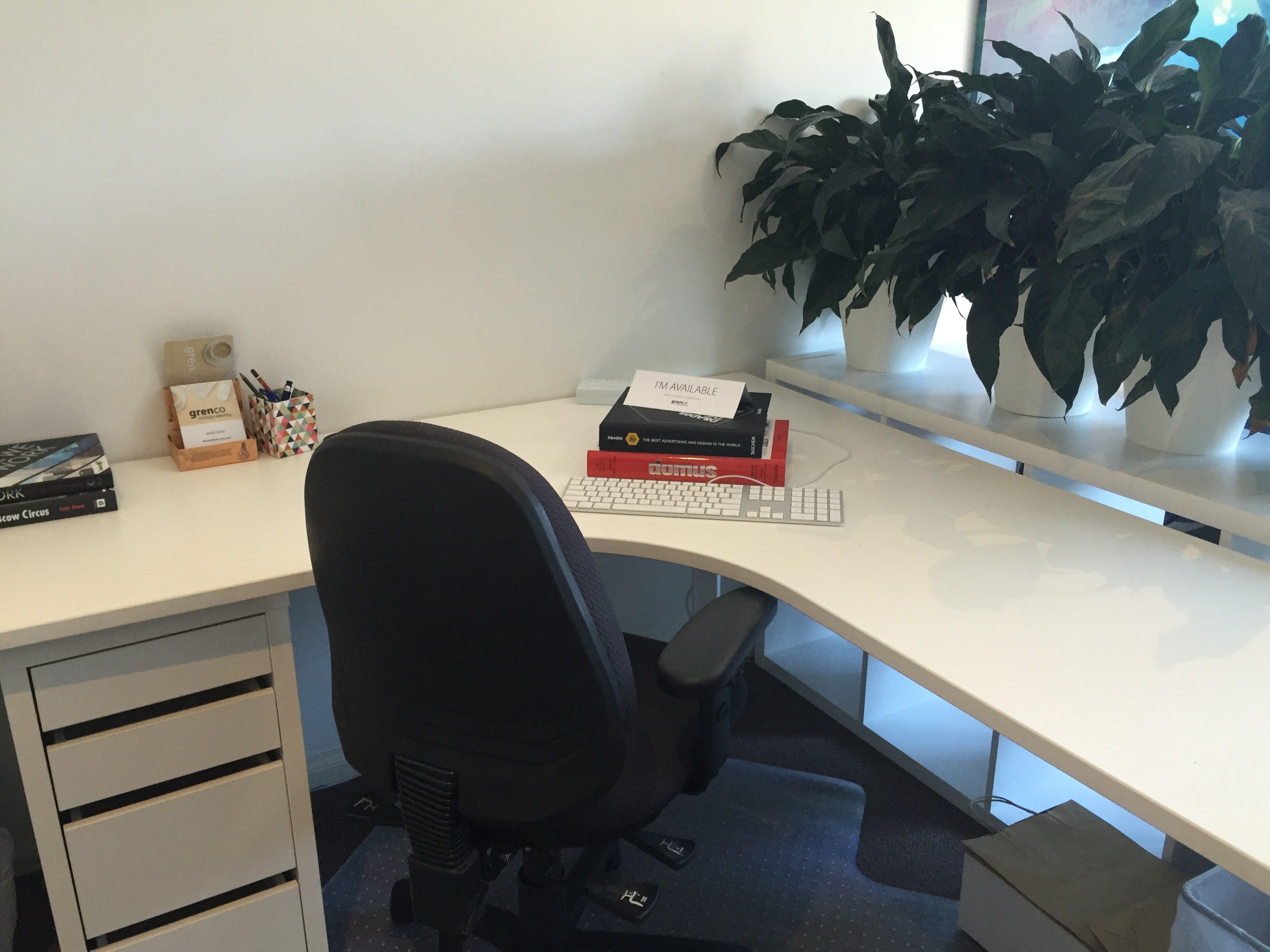 Hot desk at Grenco, image 1