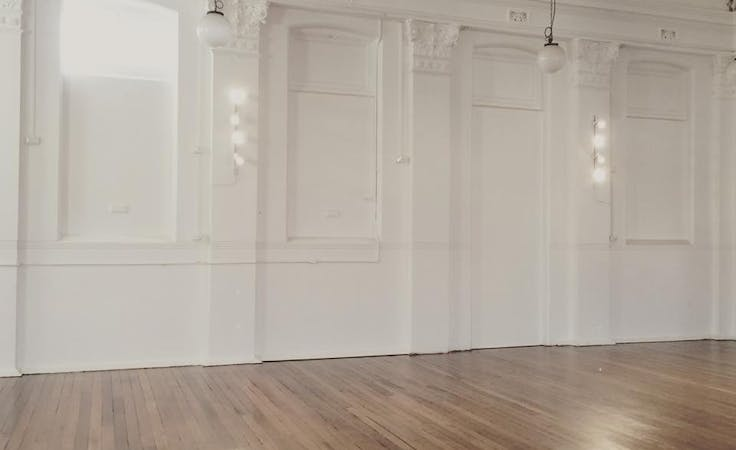 Large multi-use space perfect for workshops and rehearsals, image 2