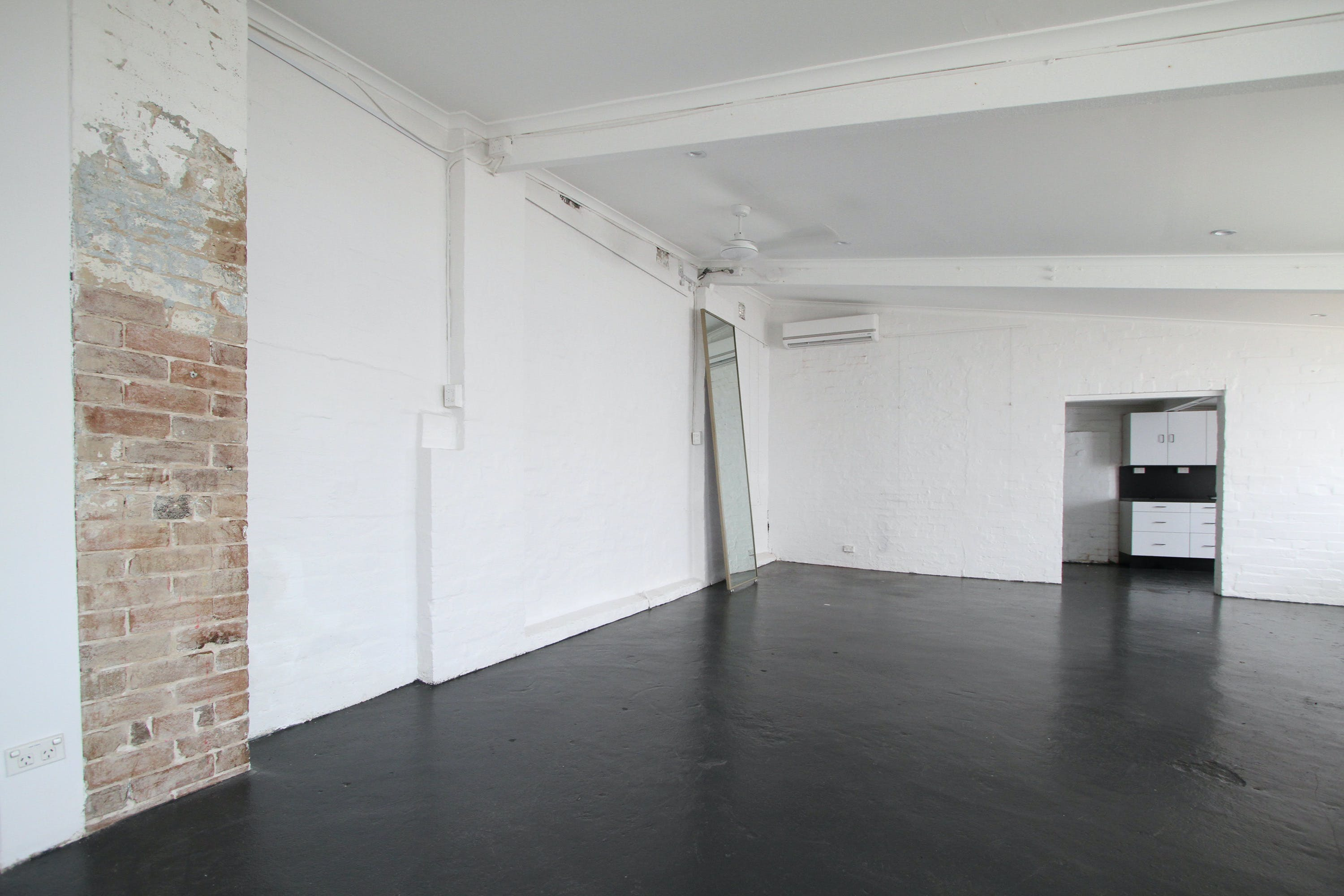Annexe, multi-use area at Comber Street Studios, image 5