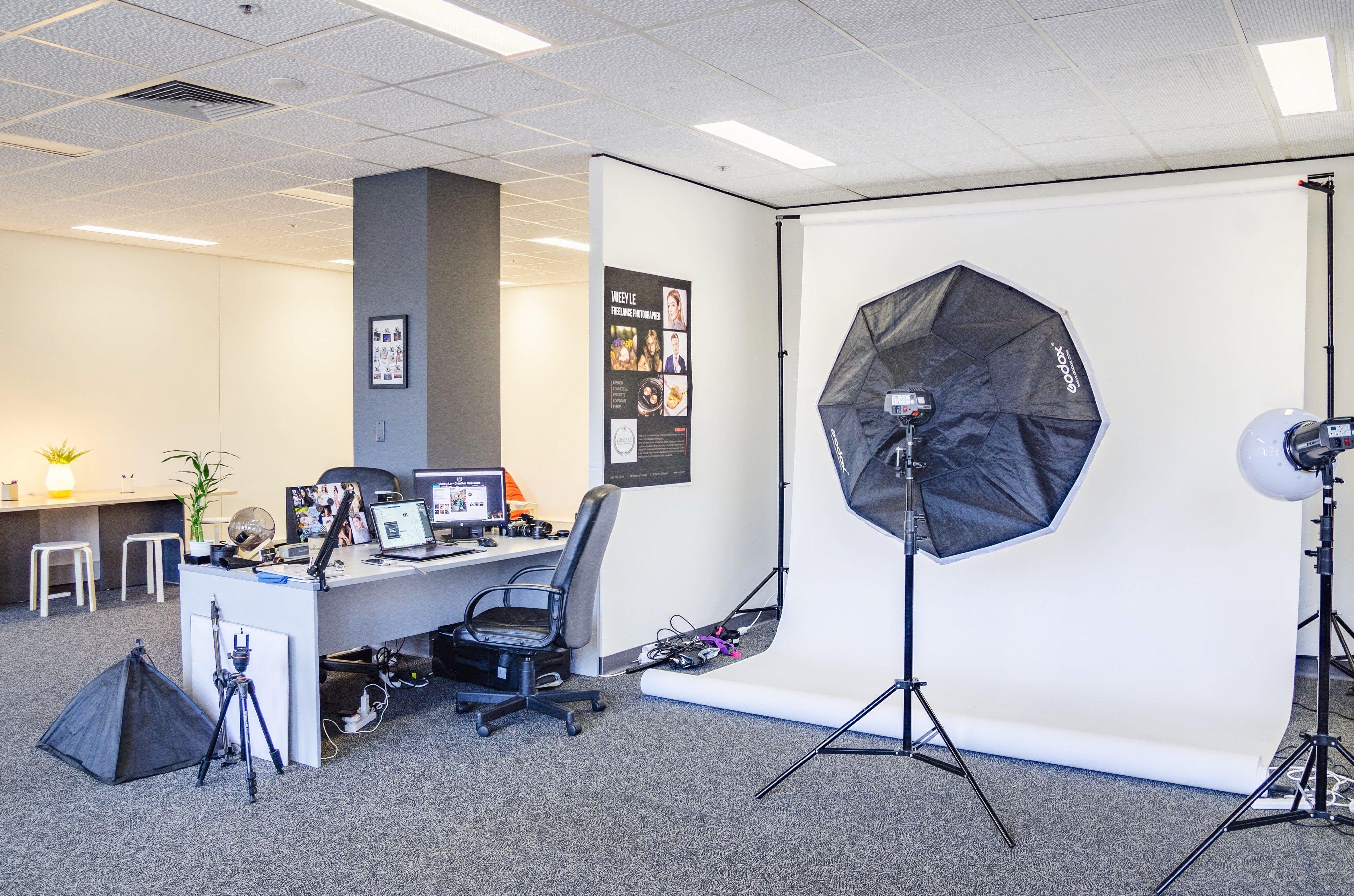 Photography Studio with Makeup Station, creative studio at Creative50 Hub, image 1