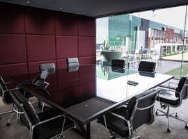 Polished meeting room in a glamorous venue, image 1