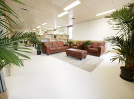 Light-filled multi-use area perfect for your next workshop or brainstorm, image 1