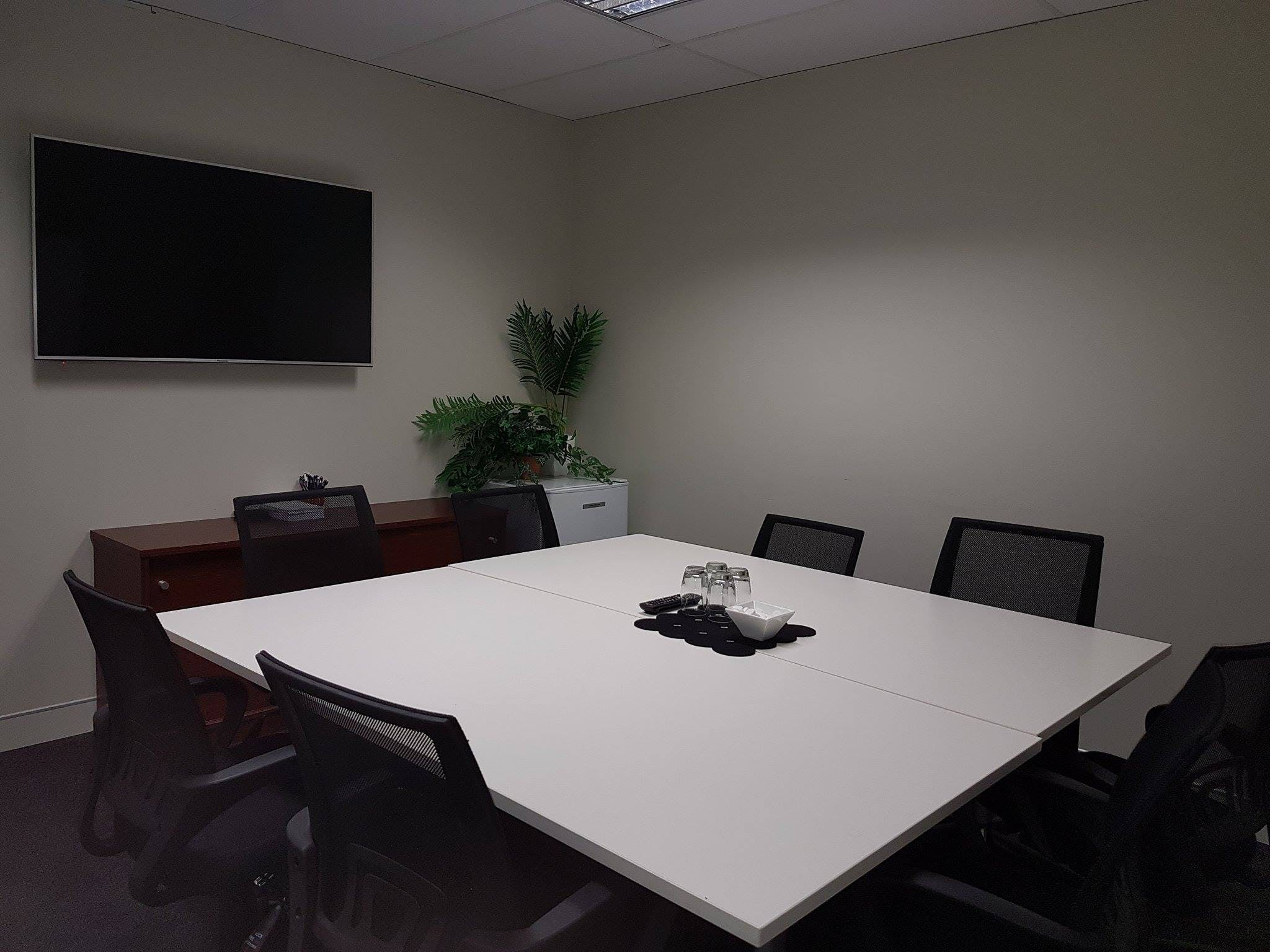Suite 34, serviced office at Milton Business Centre, image 3