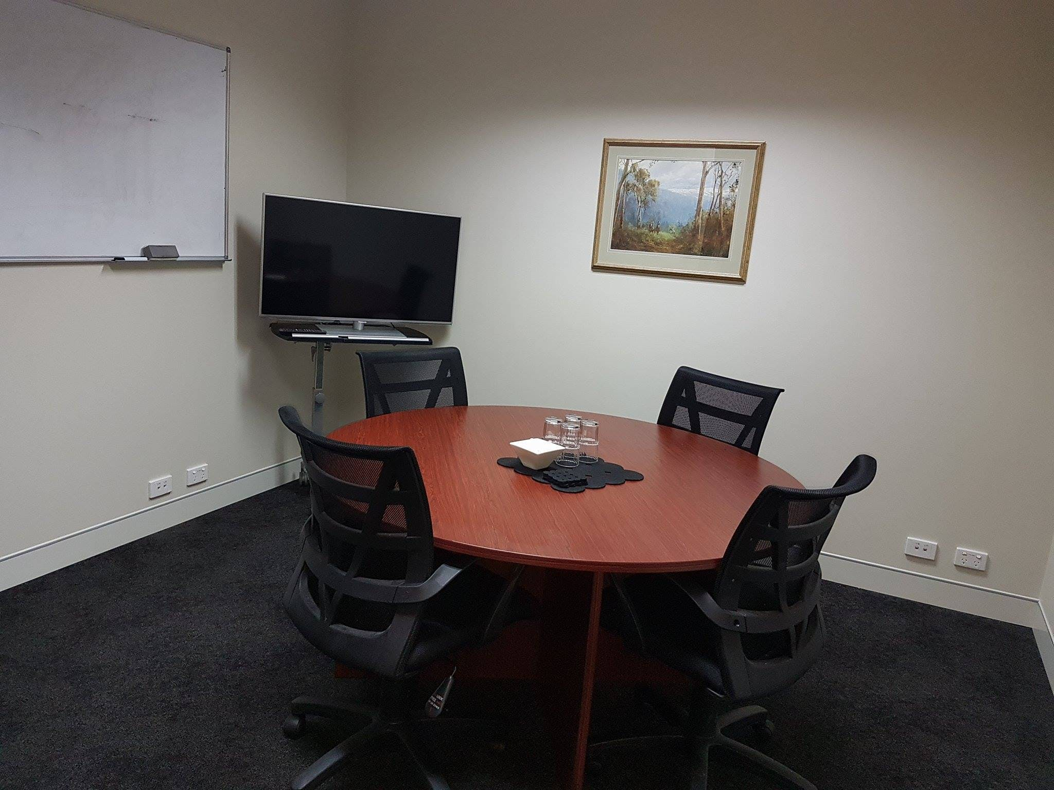 Suite 35, serviced office at Milton Business Centre, image 2