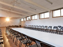 This space is perfect for photoshoots and fashion shows, image 1