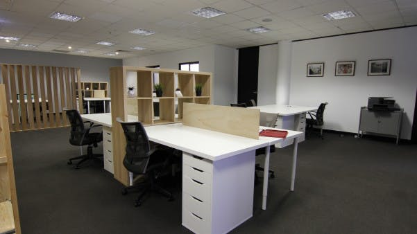 Hot desk at Carlton Offices, image 1