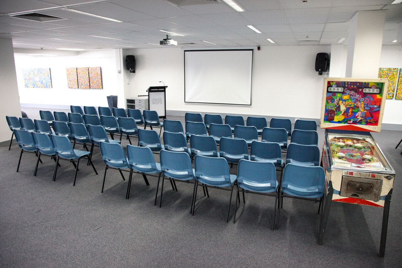 Function room at deskworx seminars, image 1