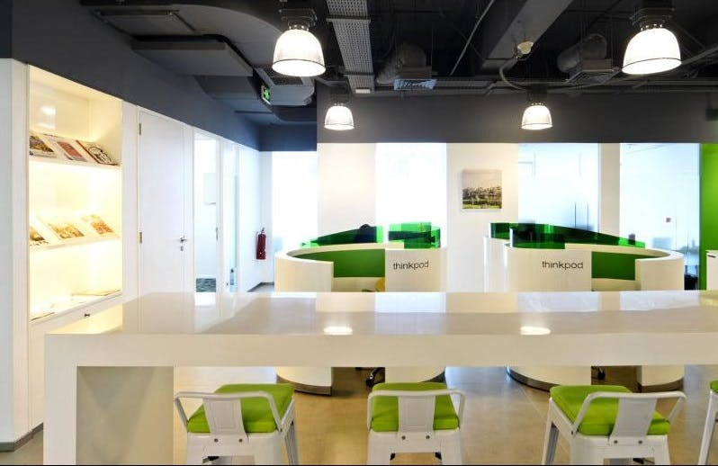 Work with flexibility in this professional office, image 1