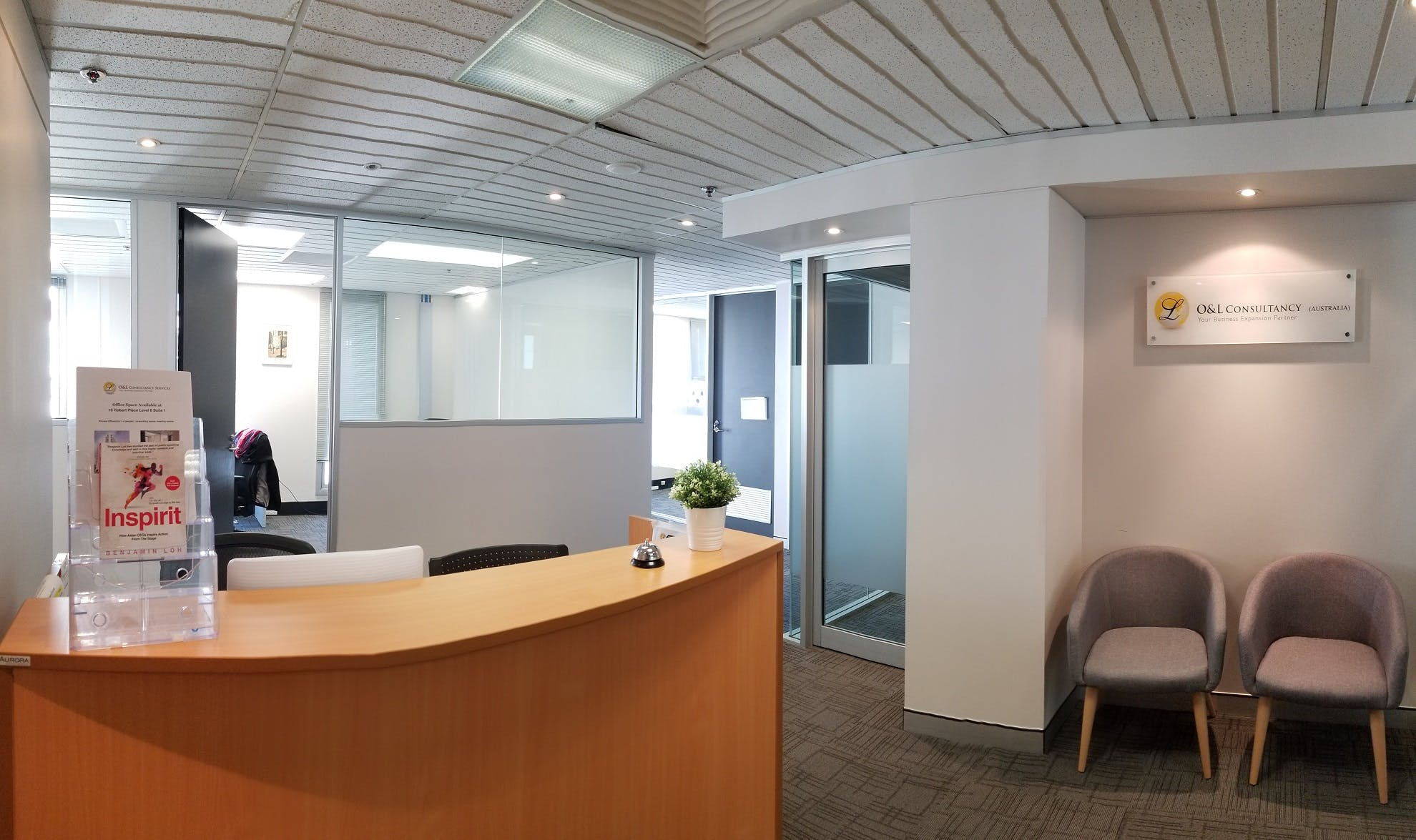 Serviced office at 10 Hobart Place, image 1