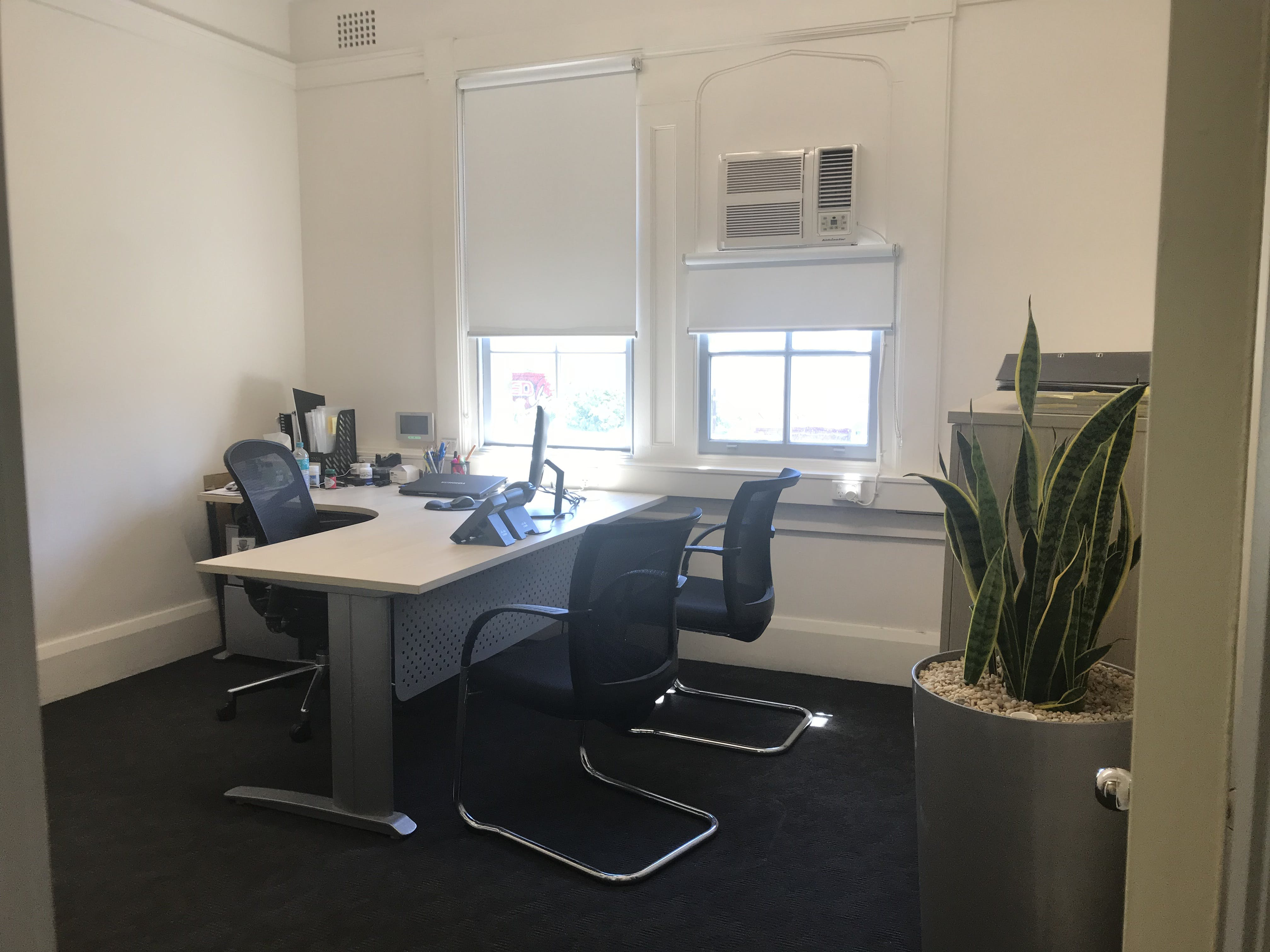 Private office at Rose Bay, image 2