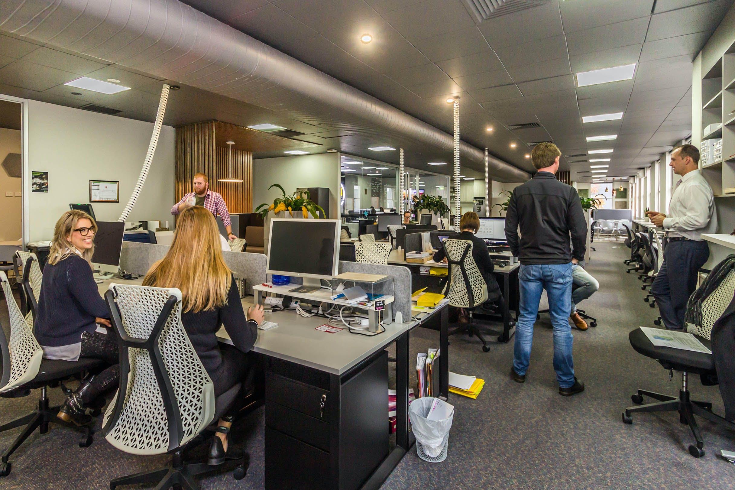 Dedicated desk at DaSH Cowork, image 2