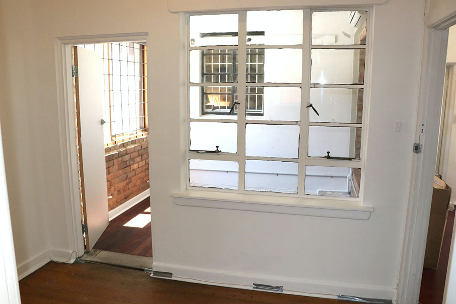 3 Rooms 30 sq meters, multi-use area at The Guitar Colonel, image 2