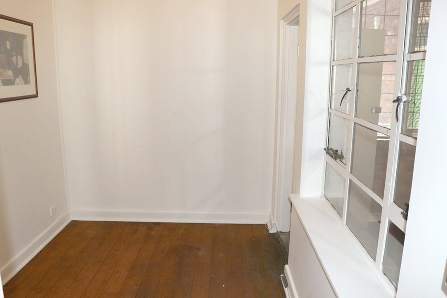 3 Rooms 30 sq meters, multi-use area at The Guitar Colonel, image 6