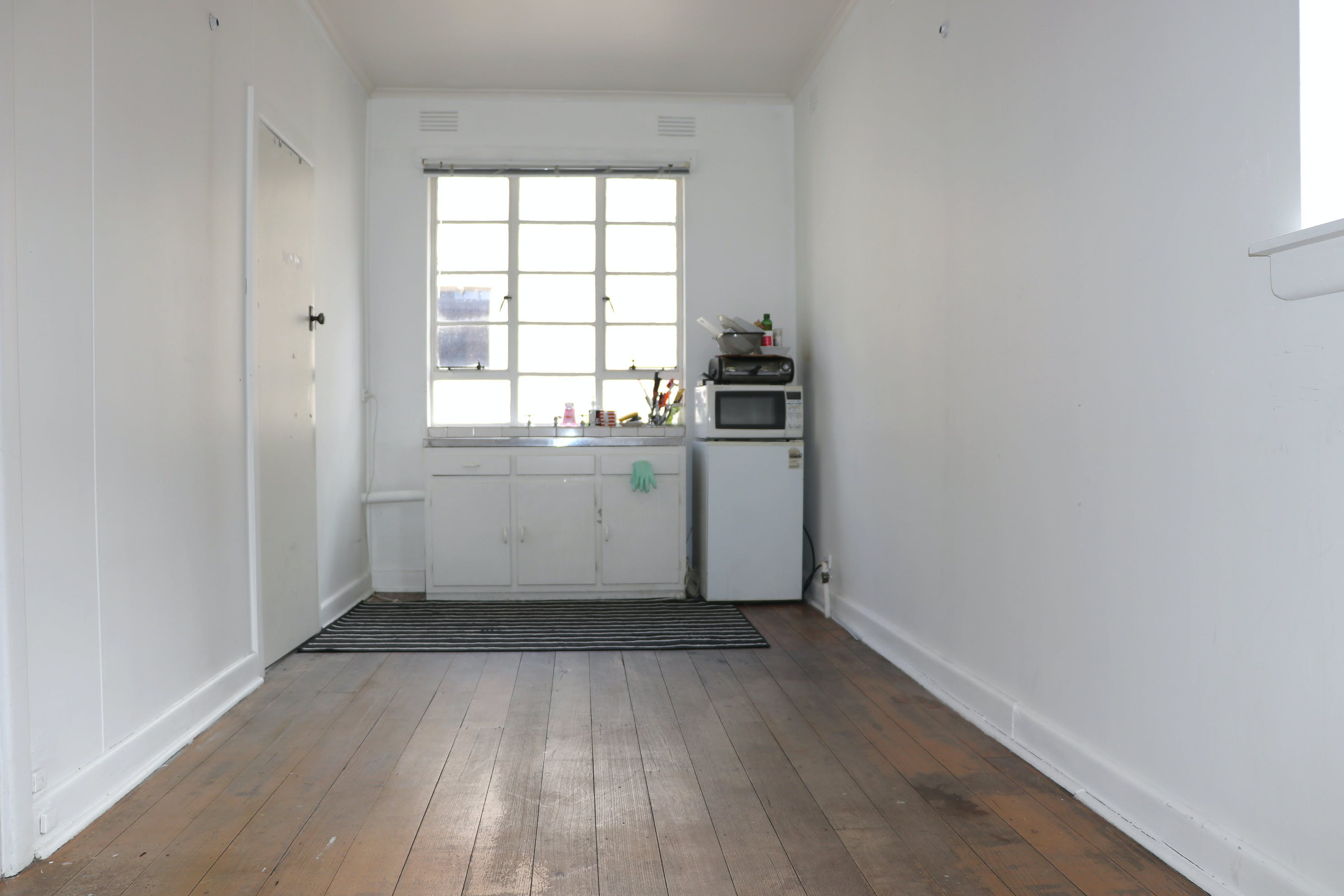3 Rooms 30 sq meters, multi-use area at The Guitar Colonel, image 1