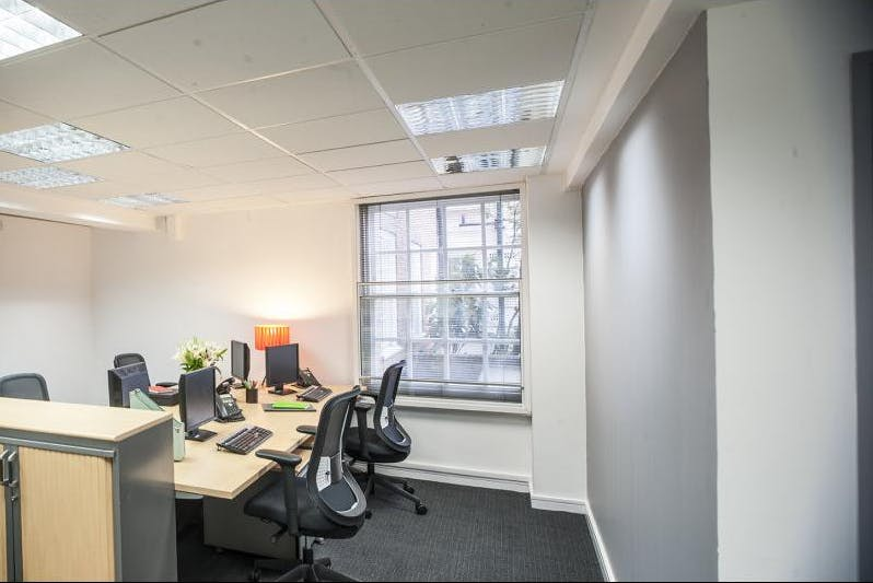 Private office at Regus Express, image 2