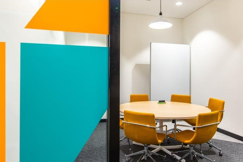 Private office at Regus Express, image 9