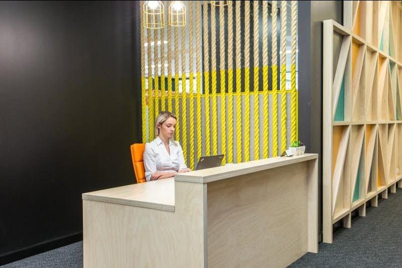 Dedicated desk at Regus Express, image 10