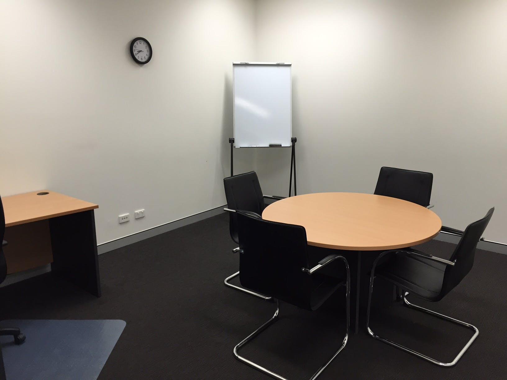 Meeting room at Ashgrove Serviced Offices, image 1