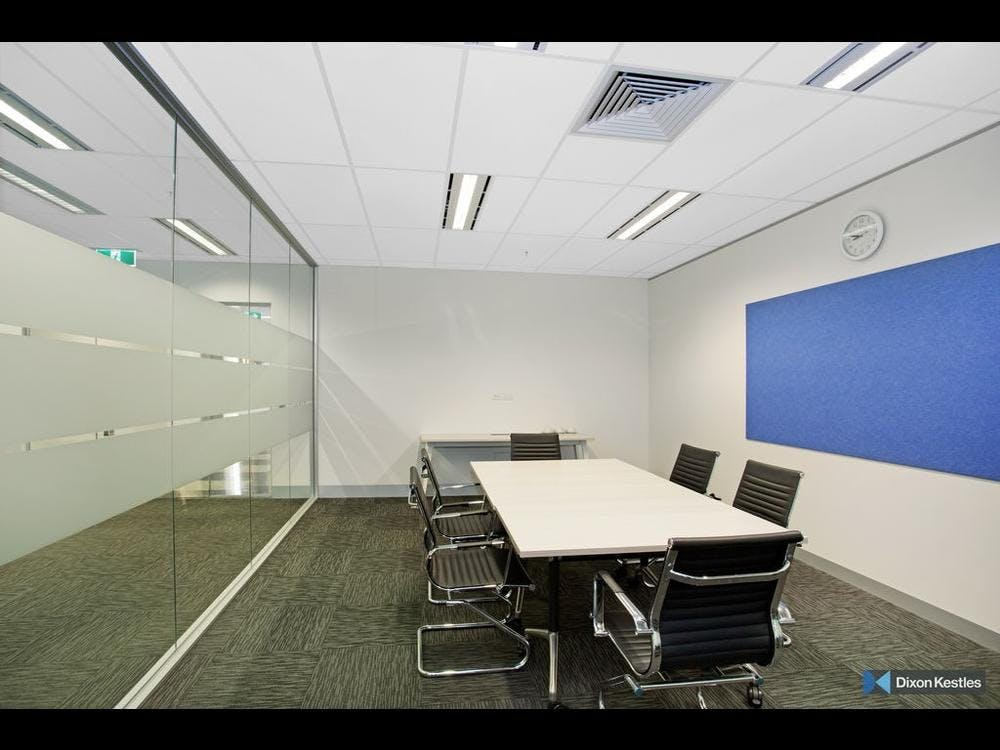Meeting room at Lakeview Offices, image 1