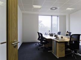 Private office at Central Plaza, Queen Street, image 1