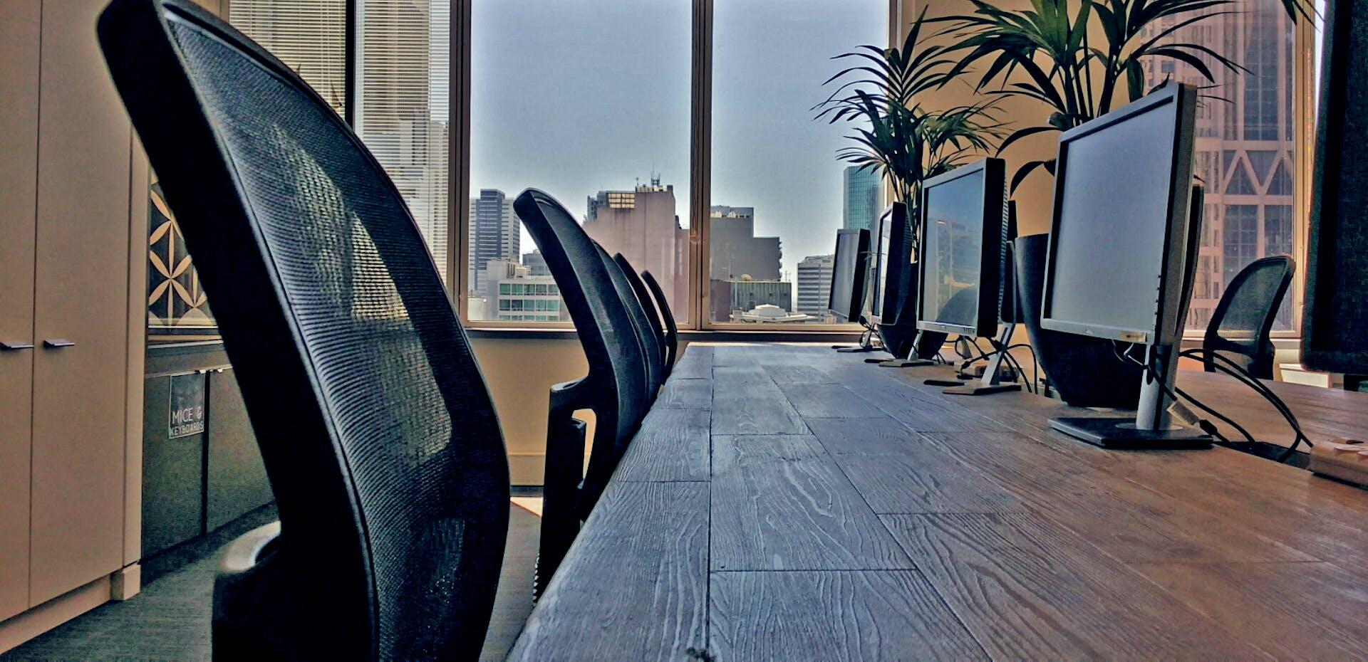 Hot desk at The Cluster, image 3