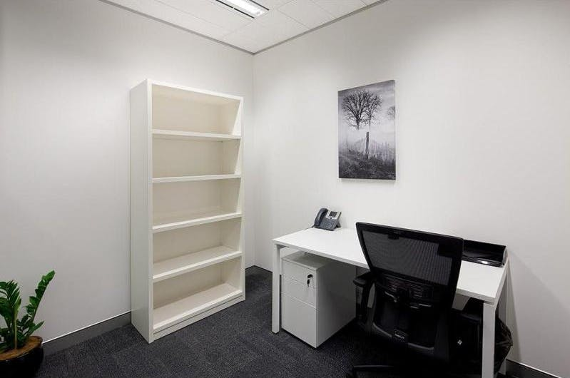 Private office at Martin Place, image 3