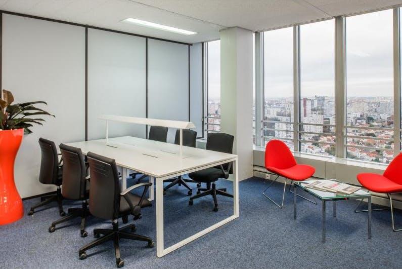 Dedicated desk at St Martins Tower, image 4