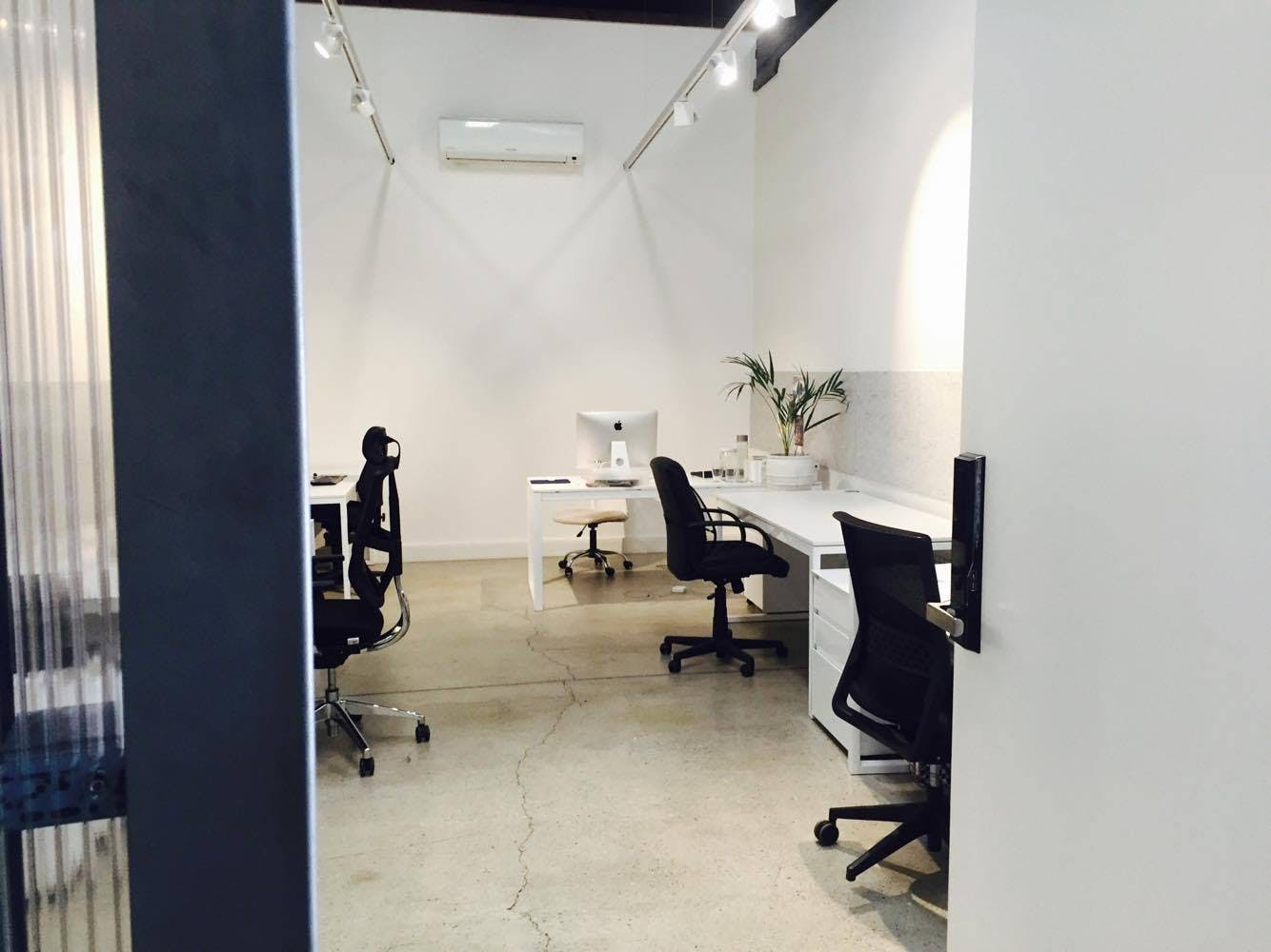 Permanent Desk, coworking at INNX, image 2