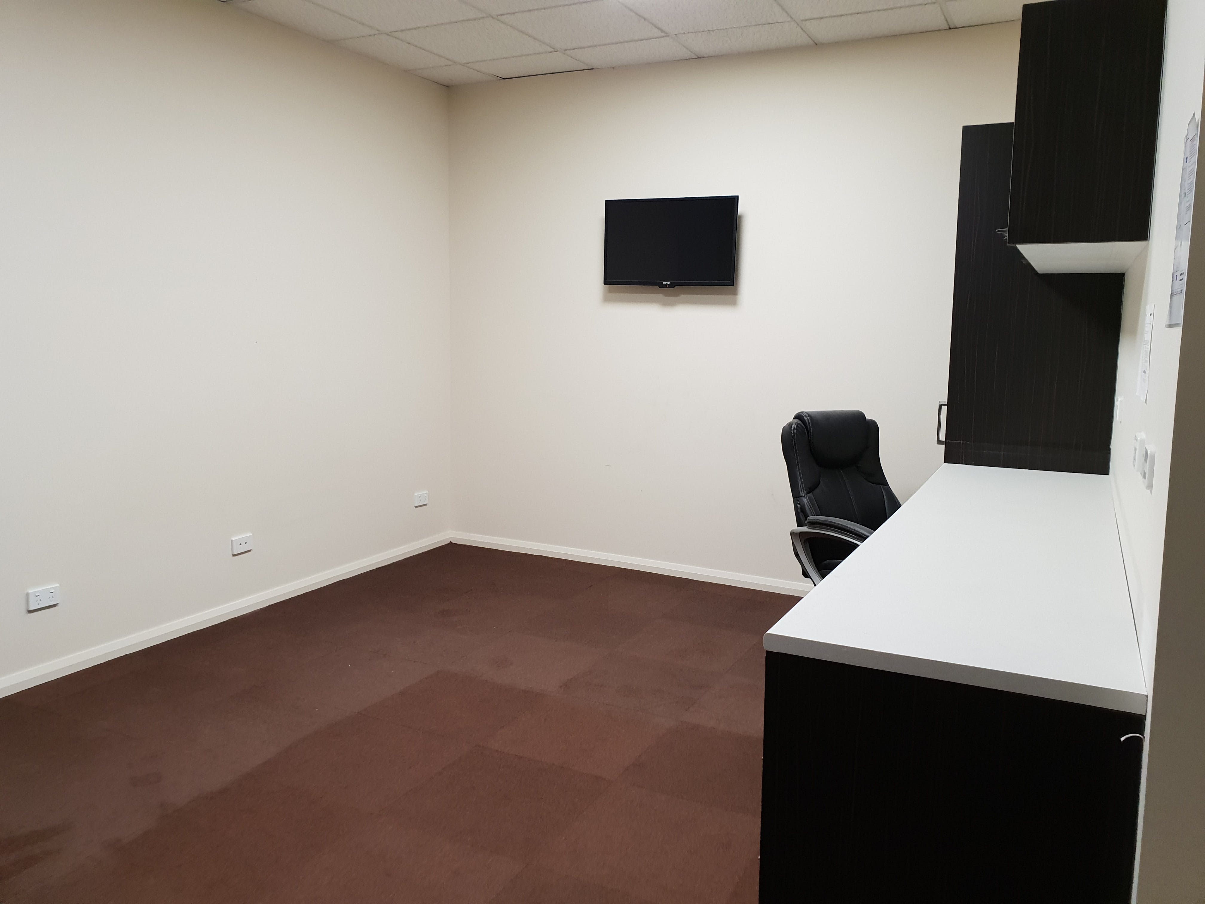 Suite 34, private office at Moorabool Street Consulting Offices, image 2