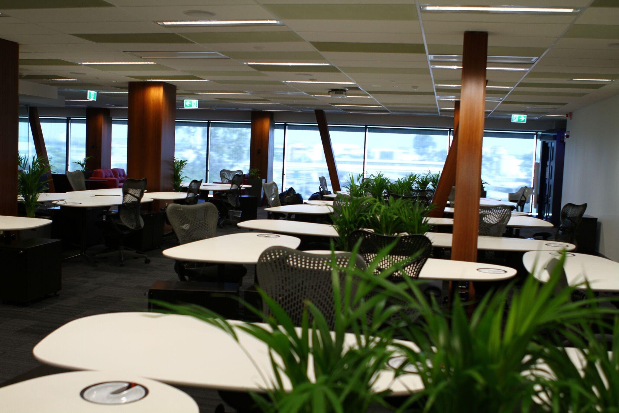 Hot desk at Officenexus, image 5
