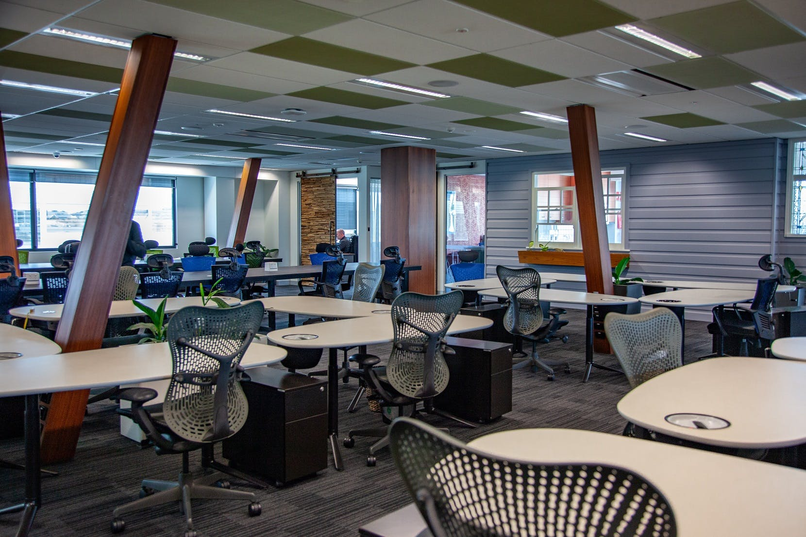Hot desk at Officenexus, image 2