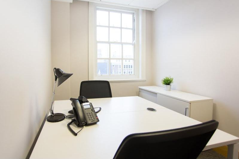 Private office at Victoria Park, image 1