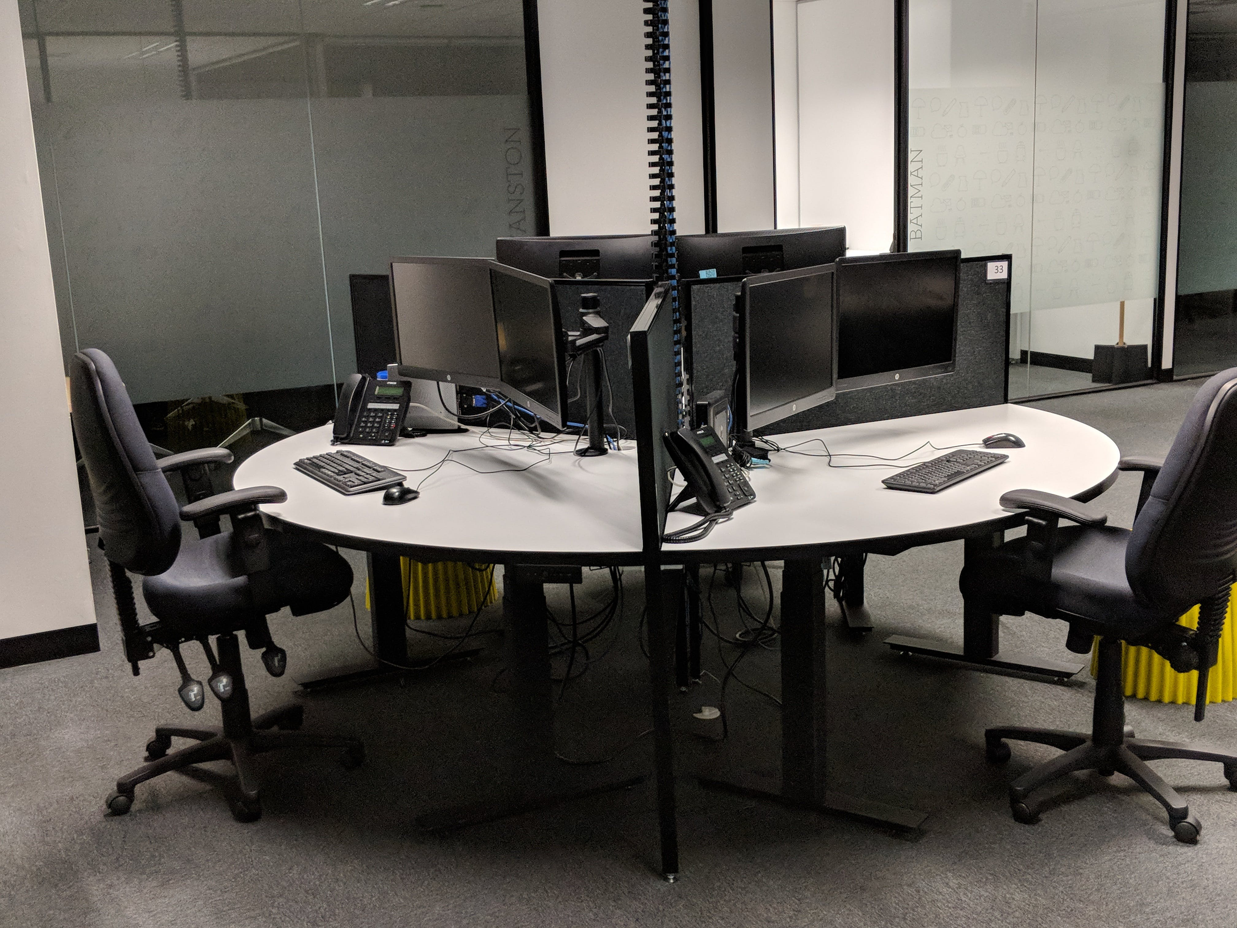 Hydraulic Desk, coworking at Space Station, image 2