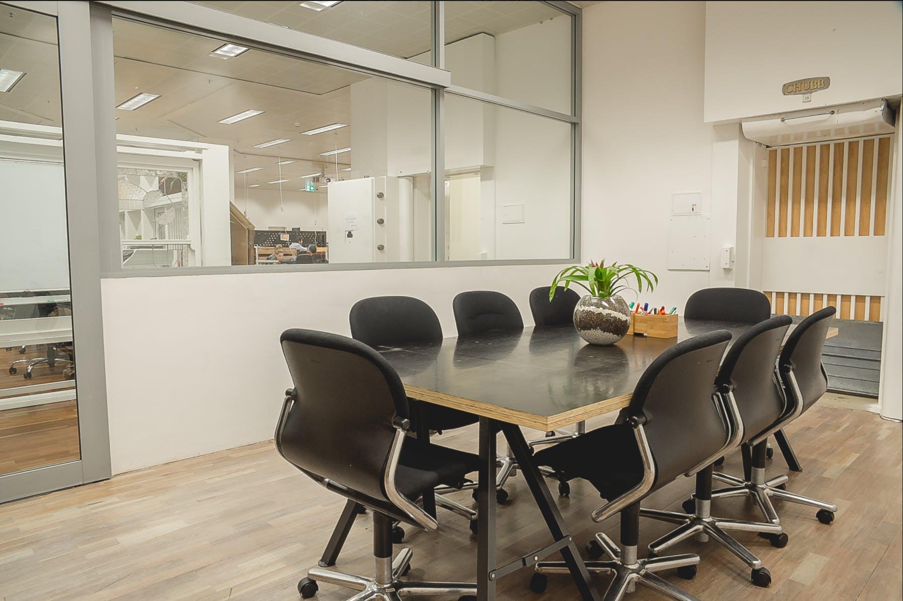 Dedicated desk at Spacecubed, image 2