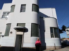 Looking for a private studio in a beautiful art deco building?, image 1