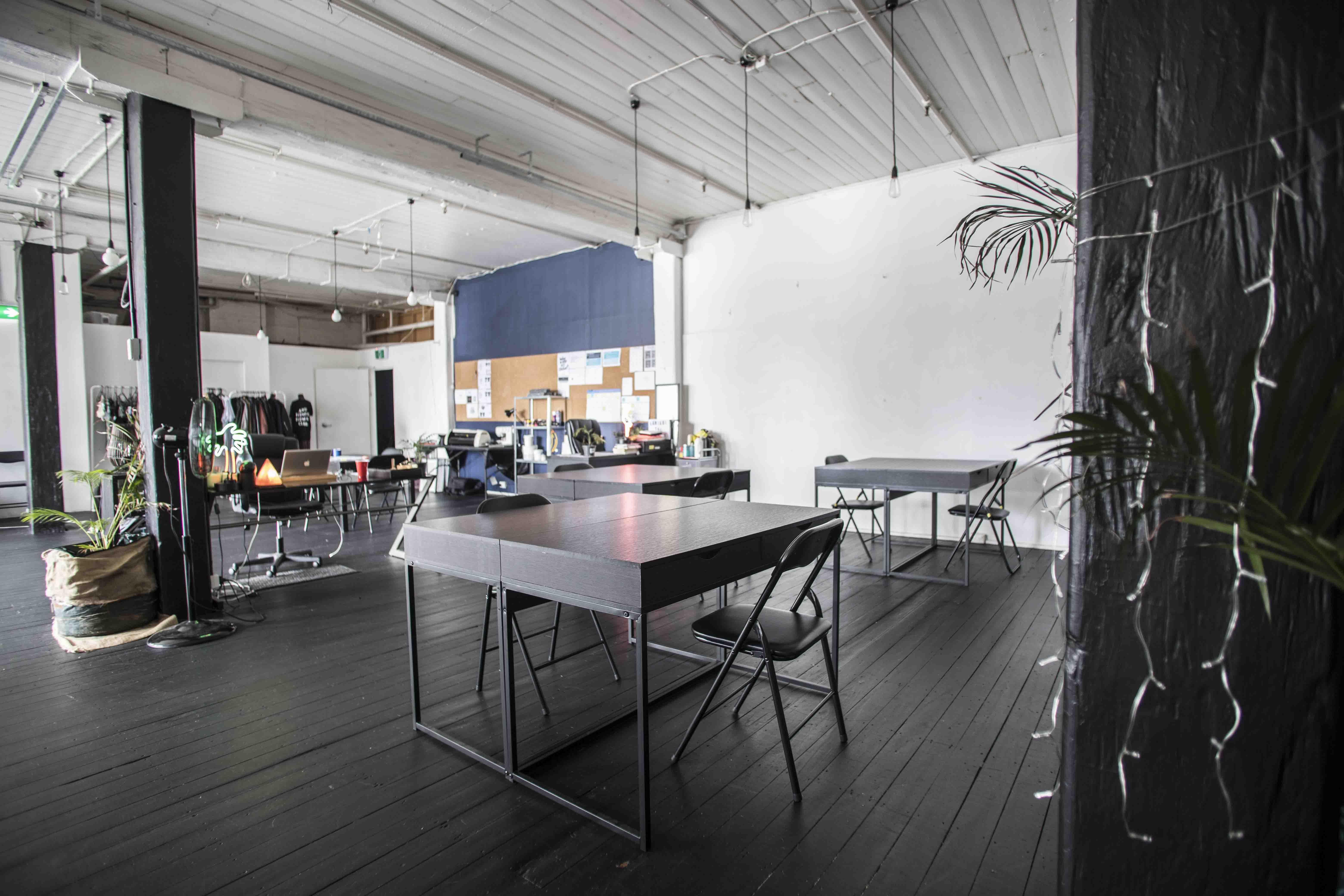 Hot desk at Studio Blueprint, image 1