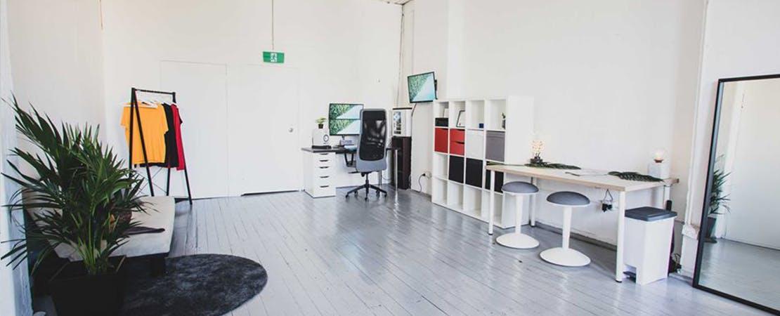 Hot desk at Studio Blueprint, image 8